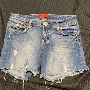 Zanadi Vintage Distressed Cuttoff Jean Shorts 11
